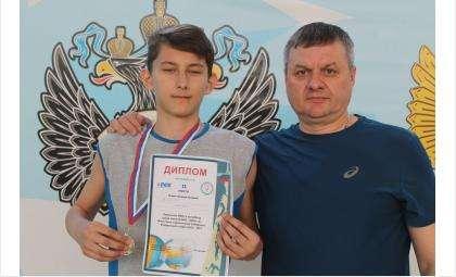 Кирилл Власов и его тренер Анатолий Скоробогатов