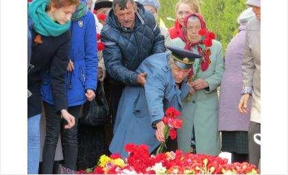 Несмотря на почтенный возраст и слабое здоровье, фронтовики в Бердске еще нашли в себе силы прийти на День Победы