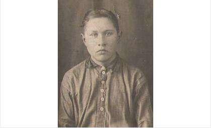 20-летний боец Гурский Василий Кирсанович пропал без вести в 1943 году