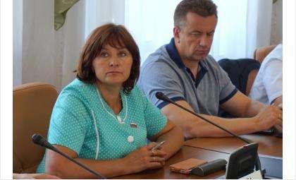 Депутаты Елена Белова и Алексей Осин