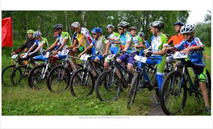 Золото Сибирского федерального округа завоевали бердские велогонщики