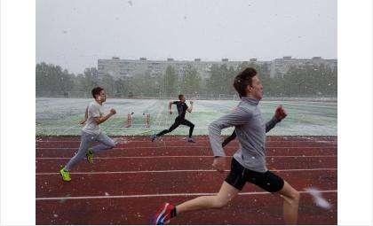После пожара в легкоатлетическом манеже спортсменам придется тренироваться в неприспособленных для этого условиях
