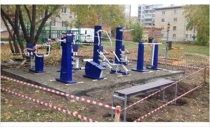 Уличные тренажеры в Бердске доступны и детям, и взрослым
