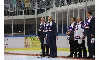 Врио губернатора Андрей Травников на открытии спорткомплекса Арена-300 в Искитиме