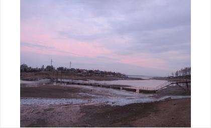 Понтонный мост через реку Раздельная в Бердске