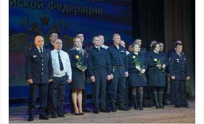 Полицейских Бердска наградили медалью в честь 80-летия Новосибирской области