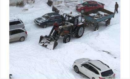 Снежный вал во дворах Бердска должен быть убран