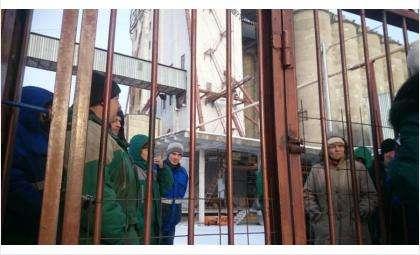 Работники бердского элеватора объявили «итальянскую забастовку» из-за 2-месячных долгов по зарплате