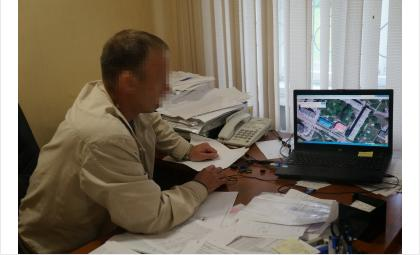 Директор ГК «Вымпел-сервис» Николай Яковченко считает место ЧП муниципальной территорией. Потребовал не показывать его лица в этой статье
