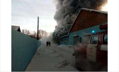 Китайскую обувную фабрику в Искитимском районе уничтожил пожар. Погибли 10 человек