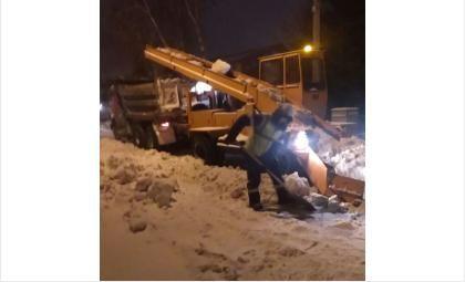 С 23 часов до 9 часов утра ежедневно в Бердске работает снегоуборочная техника