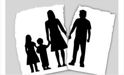 Отец не платил денег на нужды дочки и сына