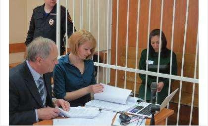Яна Ведшкина сидела в зале суда за решеткой. Но в этот раз не в качестве обвиняемой