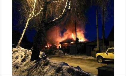 Дом на ул. Маяковского, 93 сгорел полностью