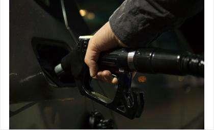 С 14 по 28 мая бензин подорожал в среднем на 1 рубль 81 копейку