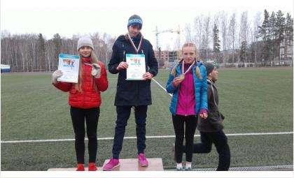 Легкоатлетки из Бердска победили в «Шиповке юных» в Кольцово