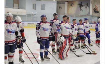 В первой игре гости из Прокопьевска обыграли бердчан со счётом 12:4