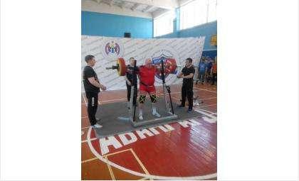 Бердчанин Валерий Горбунов получил титул самого взрослого участника турнира