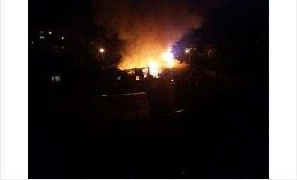 Пожар в частном доме на ул. Белинского в Бердске