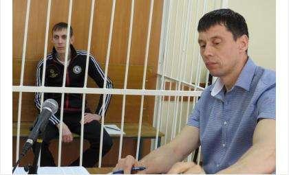 Подсудимый Дмитрий Кондратенко и адвокат Василий Кальван