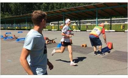 Три медали завоевали бердчане на первенстве по летнему биатлону в Сузуне