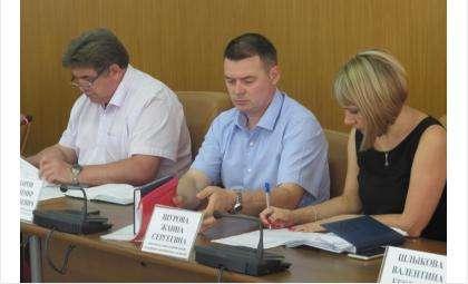 Возраст большинства чиновников Бердска - от 30 до 55 лет