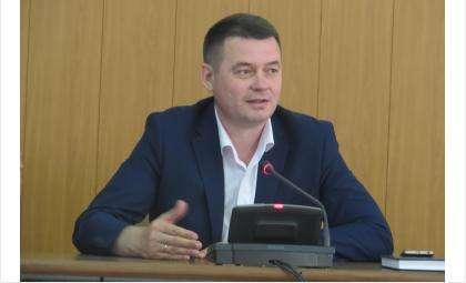 Вице-мэр Владимир Захаров призвал тщательнее следить за чистотой дворов