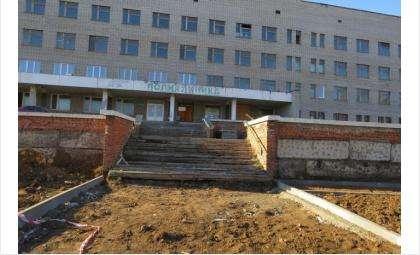 Ремонт поликлиники на ул. Пушкина идёт уже год