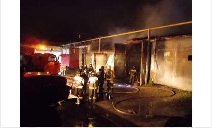 Ликвидирован крупный пожар в гаражном боксе в Искитиме