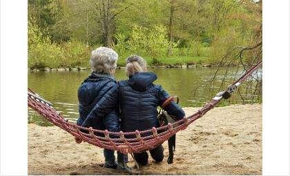 Предлагается отправлять на пенсию мужчин в 65 лет, женщин - в 63
