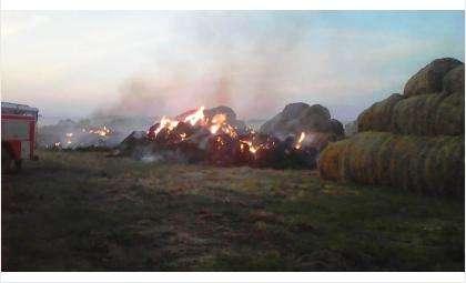 Сгорело сено в пос. Советский Искитимского района