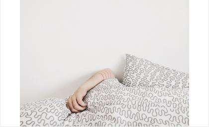 Мужчина уснул после застолья