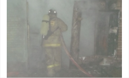 Сгорел гараж вместе с иномаркой в искитимском р.п.Линёво