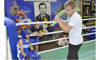 4 золотых медали завоевали боксеры Бердска на турнире им. В.Шипичука