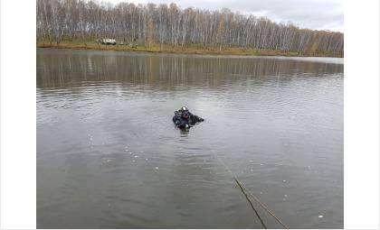 Тело утонувшего рыбака пока не нашли