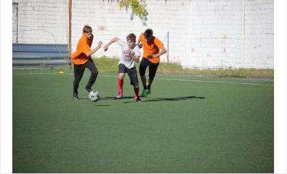 В Бердске проходит любительский турнир по мини-футболу