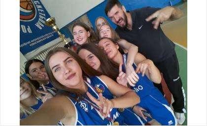 Впервые за 10 лет баскетболистки из Бердска взяли золото областного турнира