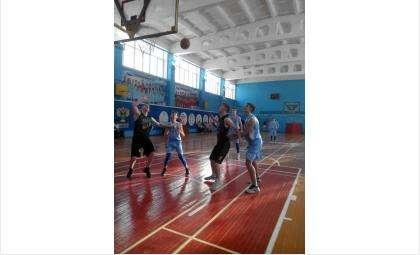 Соревновательные выходные бердских баскетболистов