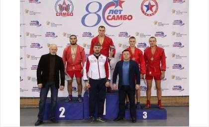 Чемпионом Новосибирской области по самбо стал боец из Бердска