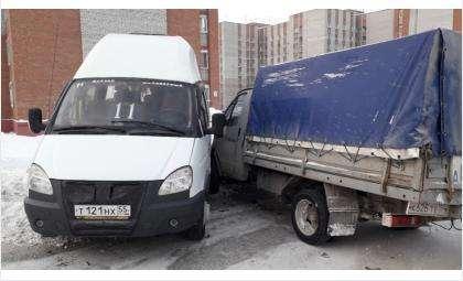 """Столкнулись грузовая и пассажирская """"газели"""""""