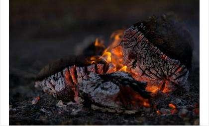 Гараж сгорел полностью