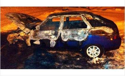 Огнем уничтожен ВАЗ 2112 в искитимском р.п. Линево