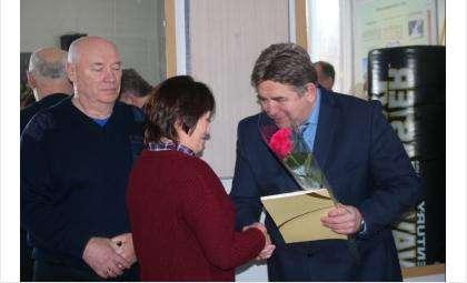 С Днем спасателя мэр Бердска поздравил сотрудников МЧС