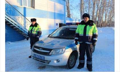 Старший лейтенант полиции Сергей Каликин и лейтенант полиции Кирилл Гридчин