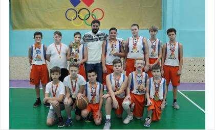 Баскетболисты Бердска участвовали в турнире памяти искитимского тренера