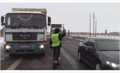 Соблюдайте требования Правил дорожного движения для общей безопасности на трассах и дорогах