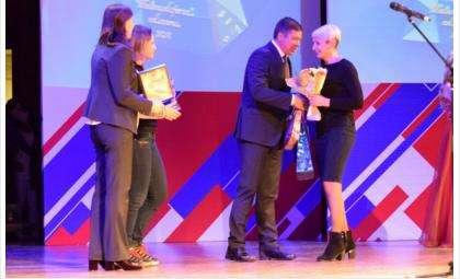 Награду Бердску вручали Олимпийские чемпионы и министр спорта региона