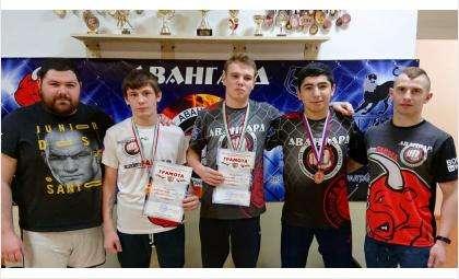 Бойцы КСЕ «Авангард» из Бердска завоевали медали на двух турнирах региона