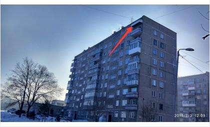 Опасность! Скиньте снег с козырька балкона на Спортивной, 9