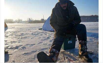Рыбаков и автомобилистов-экстремалов на льду штрафуют